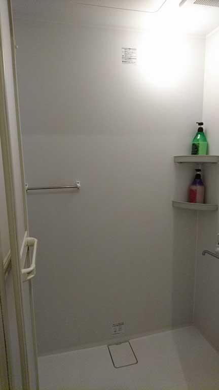 ネットカフェのシャワールーム