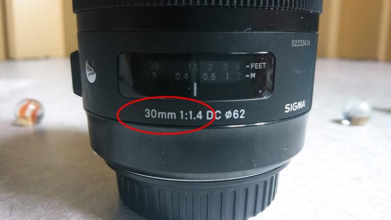 単焦点レンズ シグマ30mm