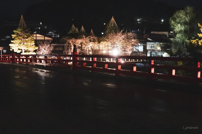 高山宮川のライトアップ