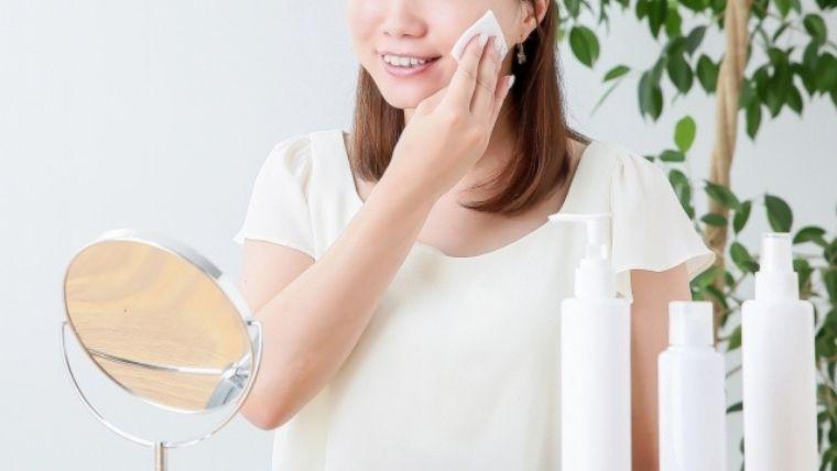 化粧品を使う人